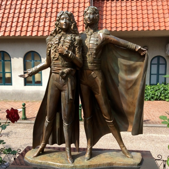 Statue of Oscar and Andre from The Rose of Versailles