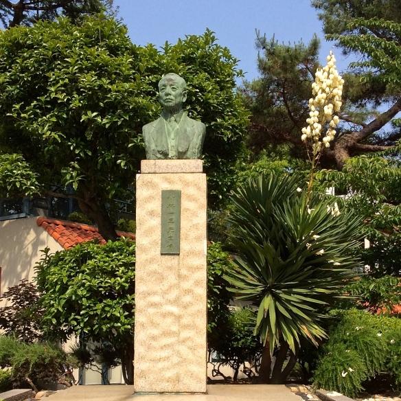 The statue of Takarazuka's founder, Ichizo Kobayashi